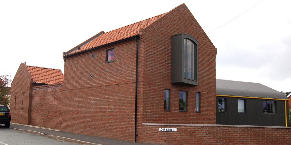 A modern interpretation of the bay window tips its hat towards the view of the Humber